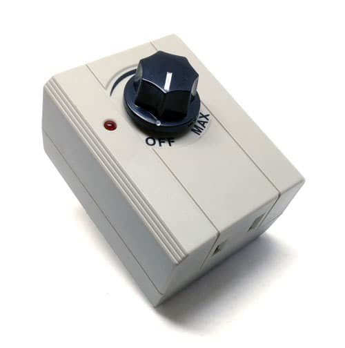 ZE-602 Plug in Dimmer switch (front)